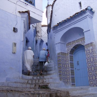 Voorvertoning blauw-wit geschilderde huizen in Chefchaouen