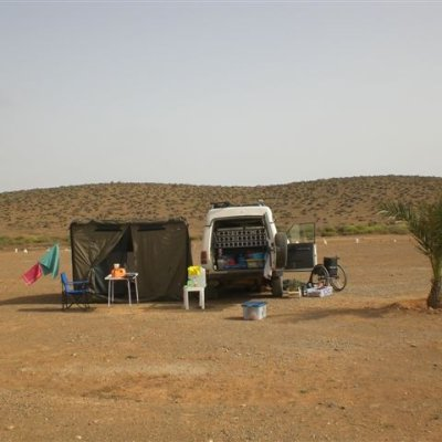 Voorvertoning Moederziel alleen kamperen bij Fort Bou Jerif.