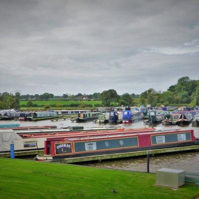 Voorvertoning Swanley Bridge Marina, maar wij meren steeds af langs het kanaal op de daarvoor aangegeven plekken.