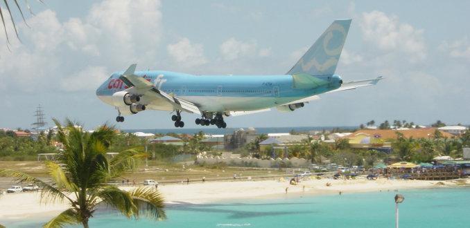 Vliegtuigspotten op Sint Maarten: levensgevaarlijk!