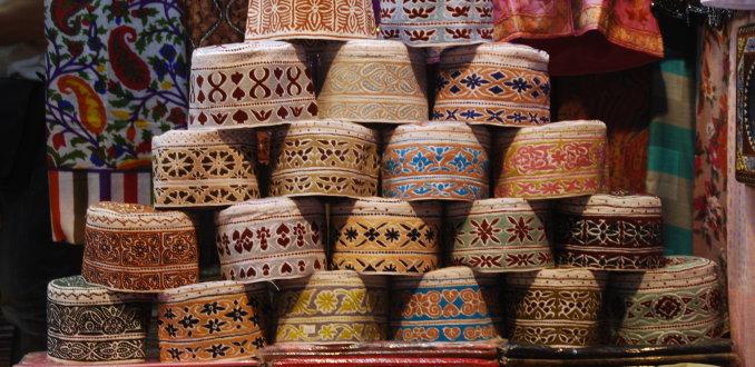 Mooie hoofddeksels in Muttrah Souq