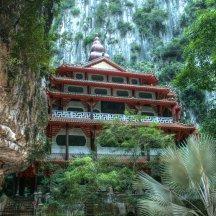Sam Poh Tong Cave