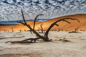 wolkjesregen boven de woestijn