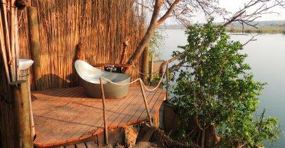 Mijn 1000ste: Badkamer met uitzicht op de Okavango.