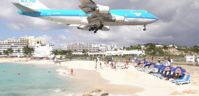 KLM landt op Sint Maarten
