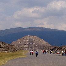 Piramide van de Zon en van de Maan