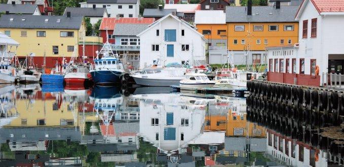De haven van Honningsvåg noordelijkste stad van het Europese vasteland