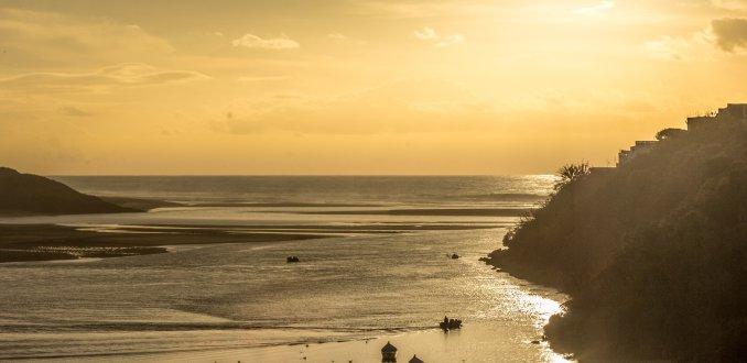 goud geel strand