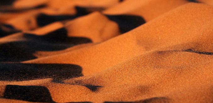 Vliegende zandkorrels