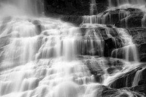 Strings of Water