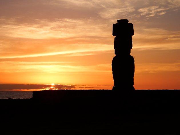 Hanga Roa - Paaseiland - bij zonsondergang