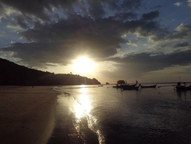 Ook dit soort strandjes zijn te vinden op Phuket!