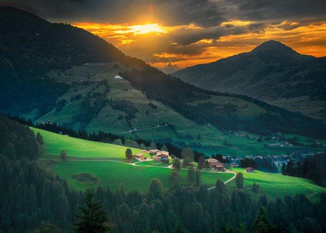 Hiken door de bergen
