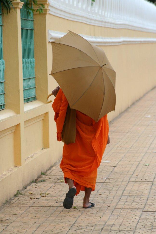 monnik in phnom penh