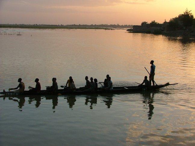 Kano wedstrijd in Djenne