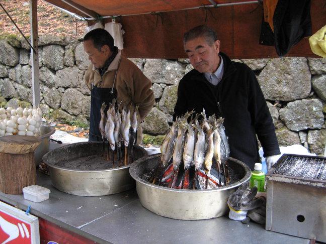 visjes op de BBQ