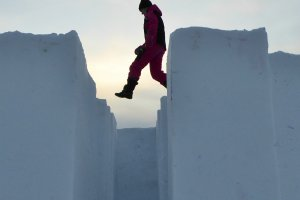 Capriolen op het sneeuwkasteel in het Zweedse Kiruna