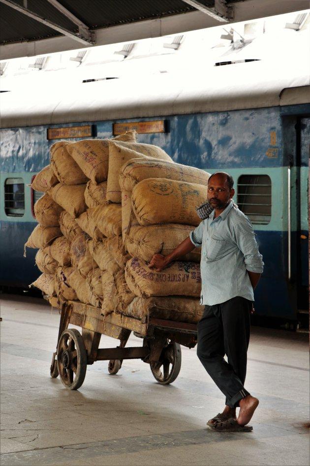 op het station van Kolkata