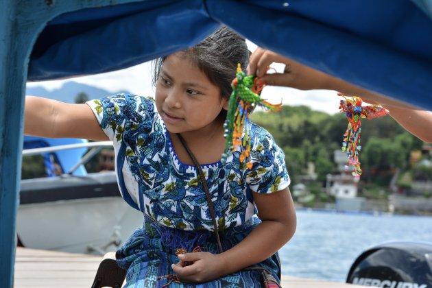 Jonge handelaar in Guatemala