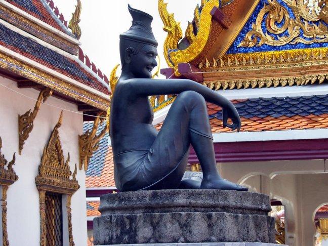 Stilstaan bij standbeeld