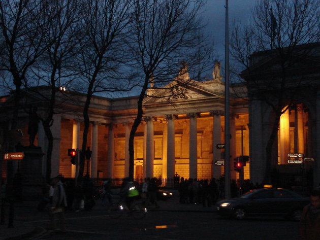 Bank of Ireland bij avond