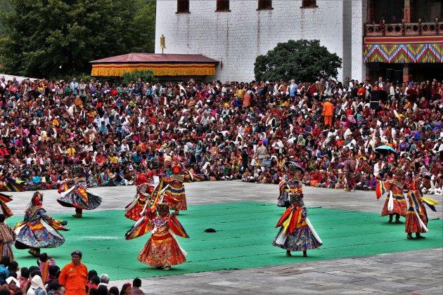 het bijwonen van het Tshechu festival