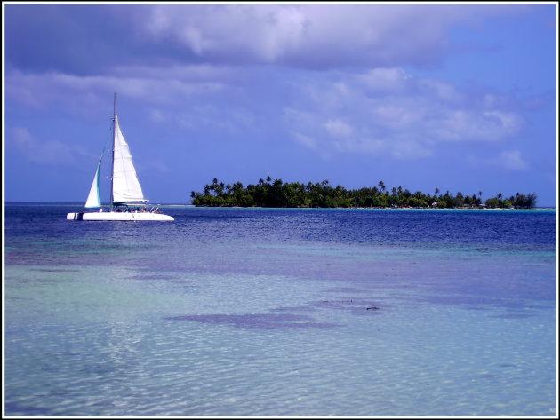 Sail on paradise