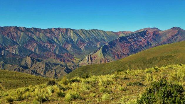 Mirador: Hornocal o Cerro De 14 Colores