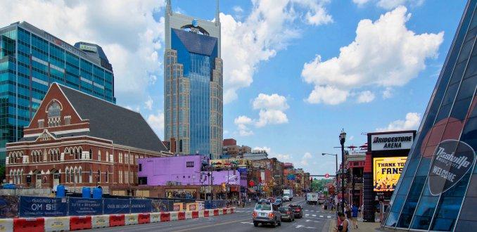 Fift   Broadway het countrymuziekhart van Nashville