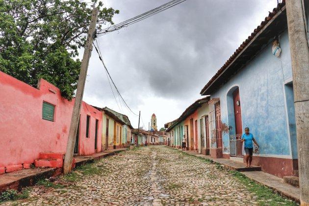 op straat in Trinidad