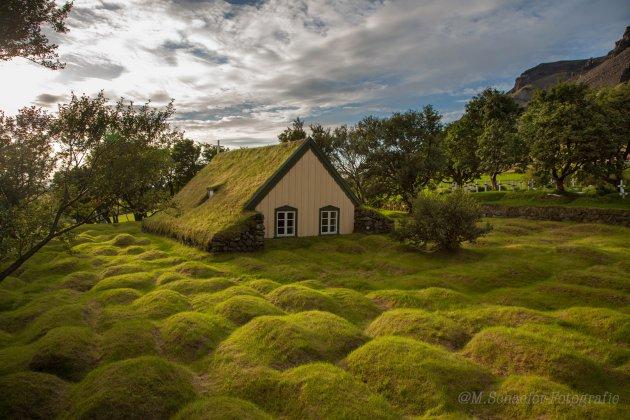 Turfkerkje in Hof IJsland. (mijn meest gestolen foto)