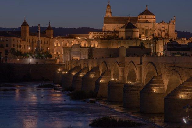Córdoba by night