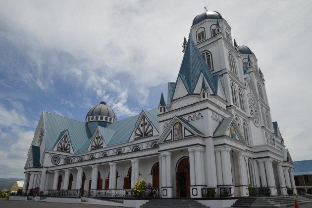 de kathedraal van buiten