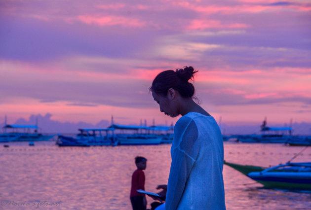 Pink sunset op Panglao