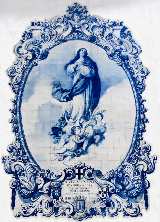De maagd Maria - Azulejos in Guimares