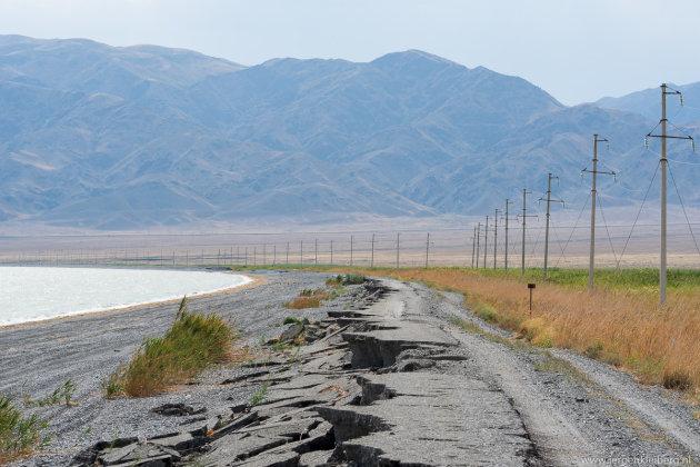 De hoofdwegen vermijden in Kazachstan