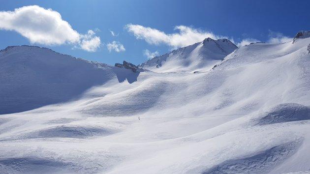 Eenzame snowboarder