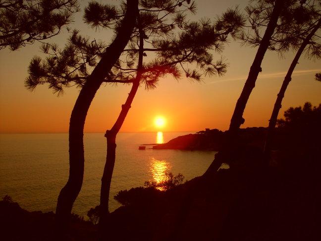 Zon gaat onder in de Algarve