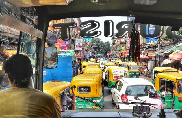In de file in Kolkata