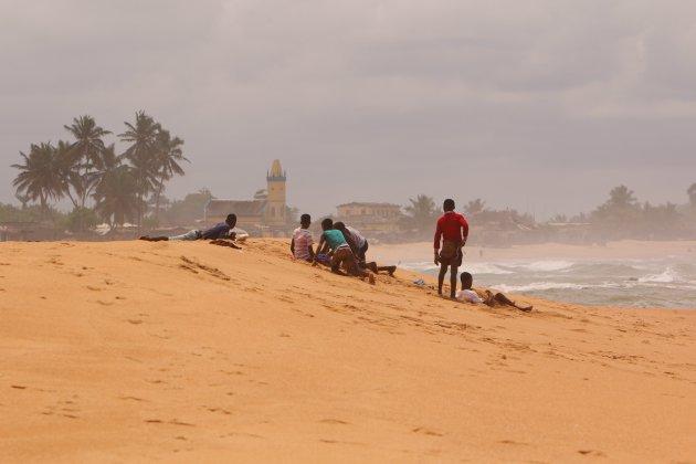De kust van Ghana, Ampenyi