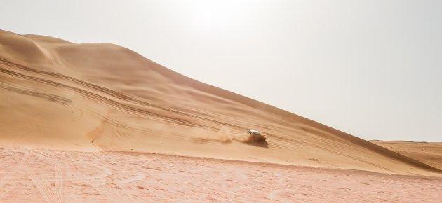 Neem de woestijnroute door de Wahiba Sands