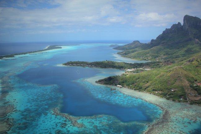 Helicoptervlucht over Bora Bora