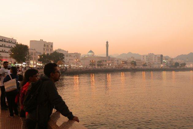 flaneren over de Corniche van Muscat