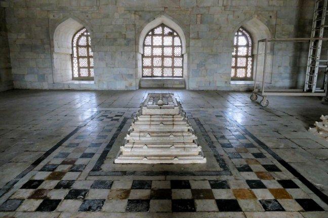 Tombe van  Khan Hoshang