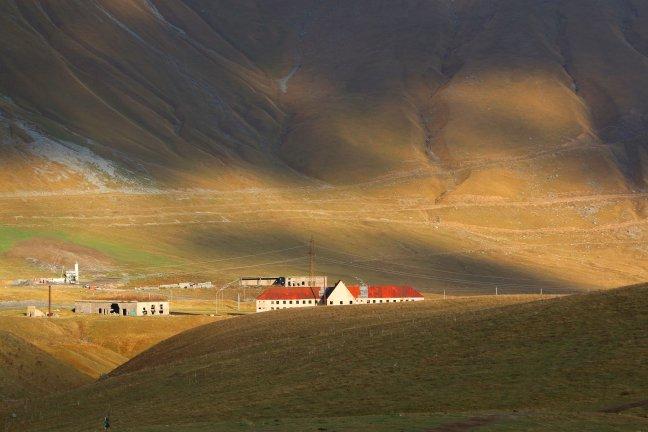 Verlaten in de Kaukasus