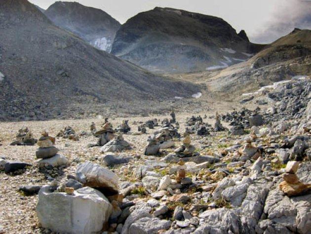 Door de steenmannetjes het pad niet meer zien