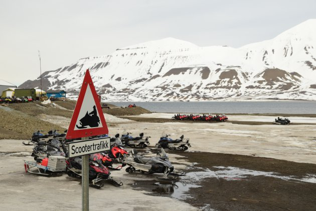 Scootertrafikk in Longyearbyen