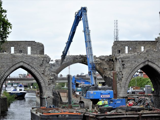 In memoriam Pont des Trous