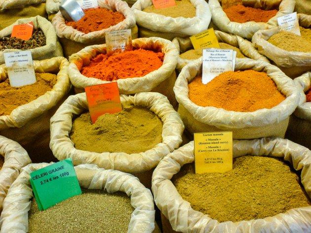 Heerlijke geuren snuiven op de gezellige marktjes in de Provence.