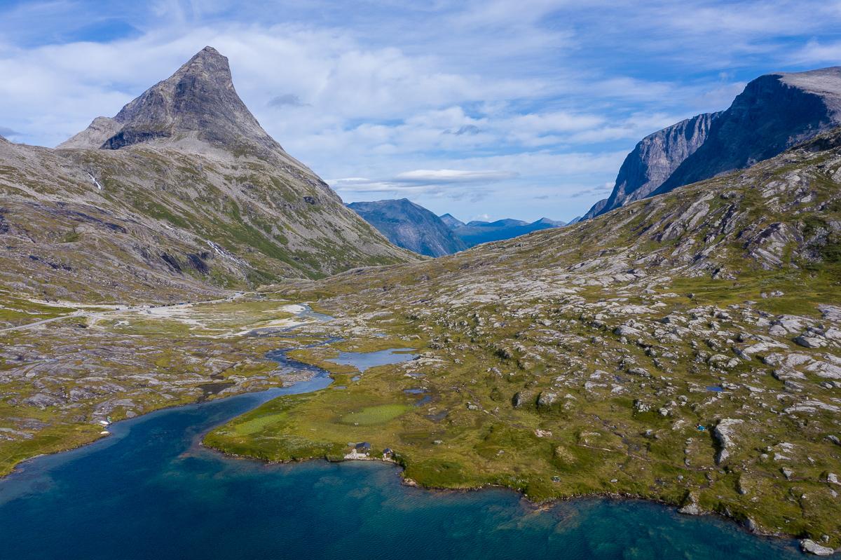Fietsen en wandelen door de ruige Noorse natuur